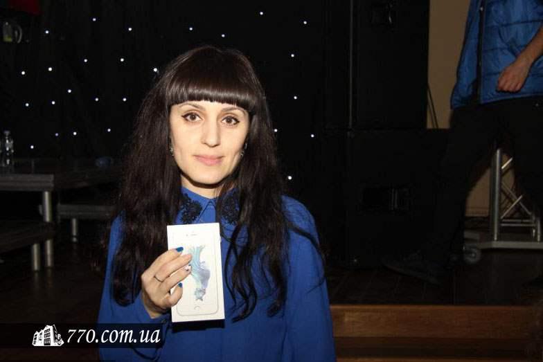 Победительница лотереи на концерте Мирьям Мильман